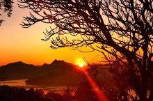 登上普西山看日落