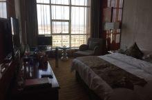 小县城里的豪华酒店
