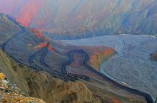 奎屯河大峡谷 奎屯河大峡谷——位于伊犁哈萨克自治州奎屯市西南20公里的地方,因地势险峻,存在着一定的