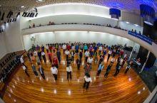 乱入一场社区舞蹈表演