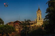 巴拉特区的各式教堂