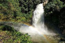 叠水河瀑布