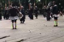 岜沙苗寨热情的村民演奏。迎宾曲