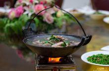 舌尖上的嘉鱼,这才叫正宗的野藕吊锅