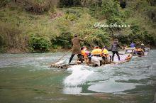 武夷山九曲溪是中国最美的溪流,1月深冬乘坐竹筏紧张刺激