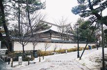 白山神社就在新泻市内,神社旁边就是白山公园,因为日本人新年是过元旦的,所以我们去的时候新春祭神马的都