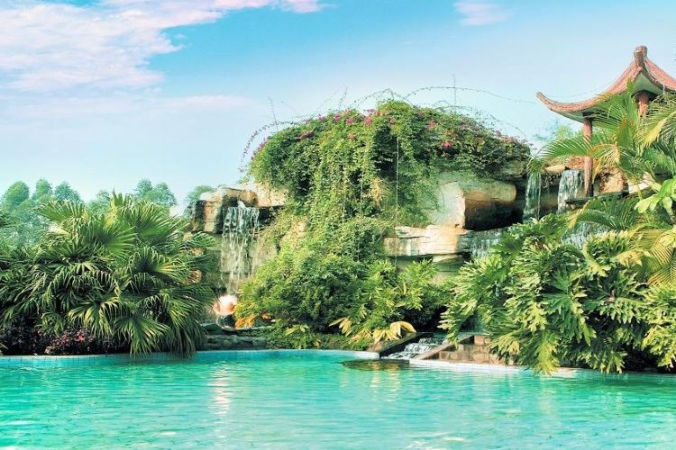 Xinyinzhan Hot Spring Holiday Resort