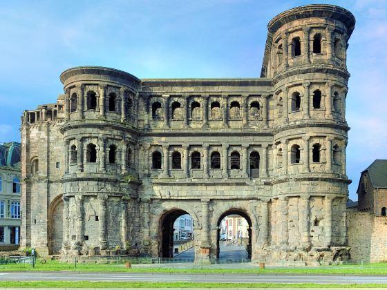 尼格拉城門