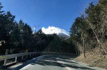 围着富士山飙车