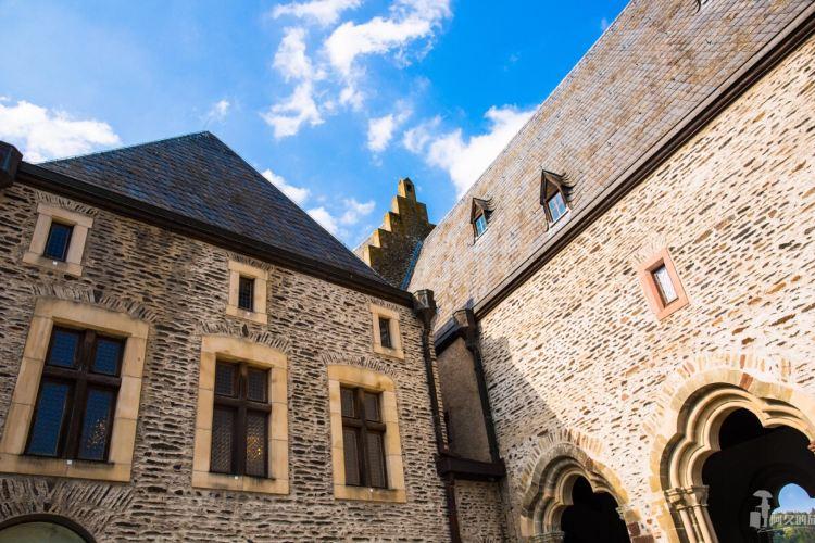 Vianden Castle2