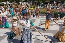 2月还没想好去哪玩?来菲律宾感受节日狂欢!