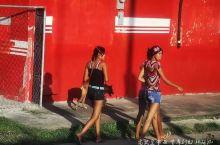 在巴拿马旅行一定要坐大巴看路边风景
