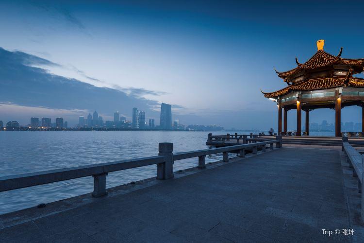 Jinji Lake2