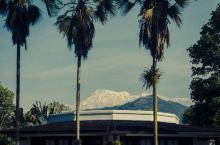 鱼尾山庄,遥看鱼尾峰#神奇的酒店