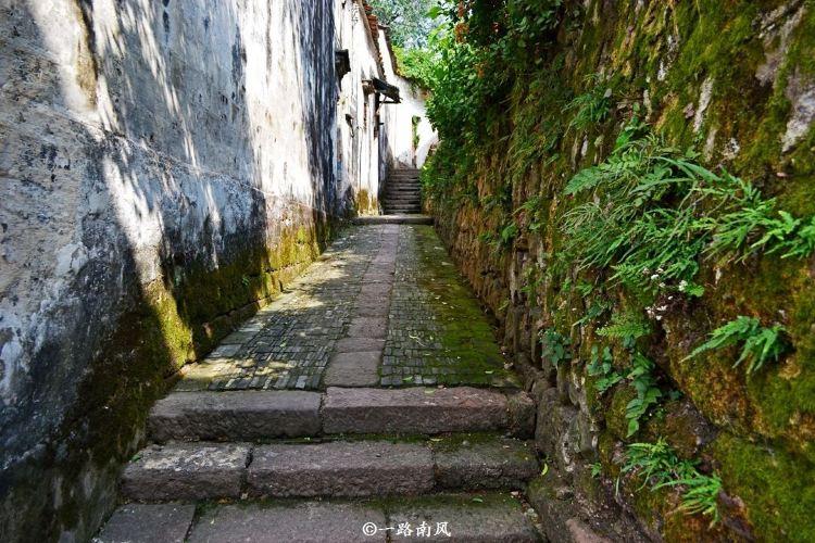 Zhuge Bagua Village3