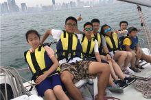 来青岛旅游,带孩子体验一下真正的帆船运动,提升孩子眼界和见识