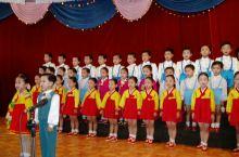 朝鲜新义洲幼儿园向游客展示才艺…