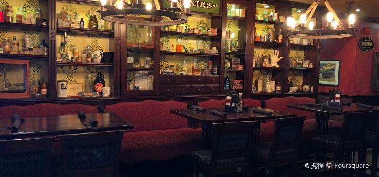 Doc Magilligan's Irish Pub & Restaurant3