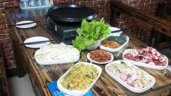 聚福緣鐵鍋烀餅菜館