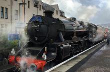 属于蒸汽的浪漫——Jacobite蒸汽火车  众所周知到目前为止人类进入了第四次飞跃的时代,这些我们