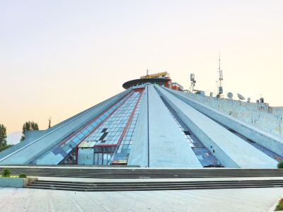Tirana e Re Piramida