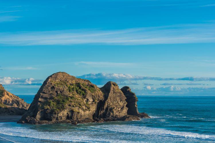 Piha Beach2