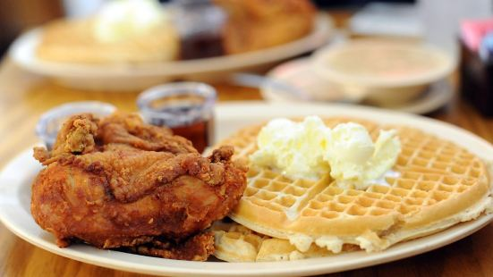 Roscoe's House of Chicken&Waffles(西洛杉磯店)