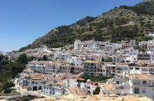 米哈斯—地中海的白色小镇,那一抹蓝色映衬下的白。