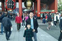 浅草寺祈福 雷门是浅草寺的象征,特别强调里面的求签很准哦