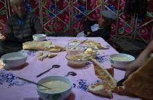 獨庫公路上的蒙古包