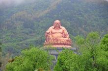 雪窦山上的弥勒大佛,据说当地的布袋和尚是弥勒的化身。