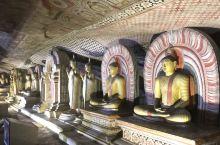丹布勒石窟:千姿百态的释迦摩尼造像