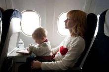 惊动FBI!中国熊孩子美国飞机上惹事,1家3口落地即遭遣返!