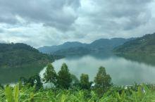 波光瀲灧 情迷萬峰湖