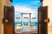 我们为你挑选了几家巴厘岛的顶级酒店,就等着你带上他,他带上钱出发了!