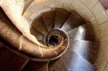 比落叶更美的圣家堂旋转楼梯🍂