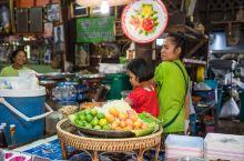 美食和拍照皆宜,阿育塔水上市场