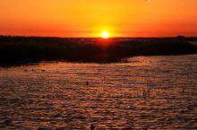 日出居延海