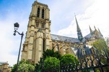 180多年时间建成的教堂,修复23年,今为世界最辉煌建筑之一