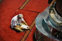 东南亚最大的清真寺--伊斯蒂克拉尔清真寺