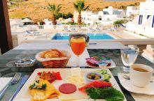 #神奇的酒店#你见过土耳其的蓝白小镇吗,蓝天碧海无敌泳池