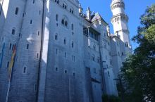 白雪公主城堡 还有旧天鹅堡,停车场有自动售卖纪念币喔。