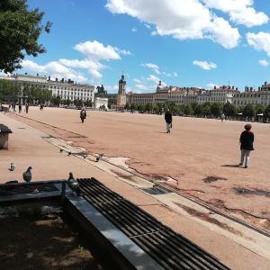 白莱果广场旅游景点攻略图