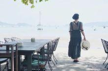普吉岛Kaneang 2是当地比较有名的一间网红餐厅,坐落于一处幽静的海滩上,无敌海景,椰影婆娑!菜