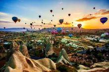 土耳其卡帕多奇亚热气球