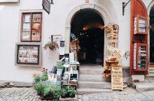 CK小镇之店铺  来小镇玩很重要的一个行程当然就是逛小店。  在早上游客比较多,如果可以的话,可以在