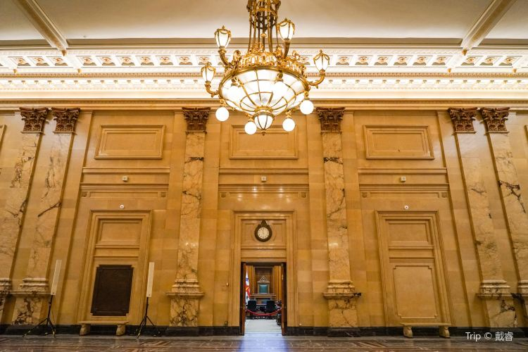 Montreal City Hall2