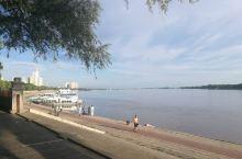 美丽的江边
