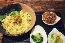 北京这些靠几张桌子闯天下的迷你神店!你吃过几家?