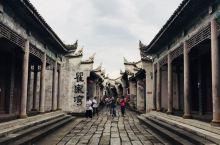 湖北瞿家湾·湘鄂西革命根据地旧址 1927年至1934年,以贺龙为代表的革命先驱,创建了以洪湖苏区为